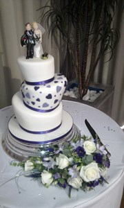 David & Tracie's wedding cake 25th May 2013 300pxs